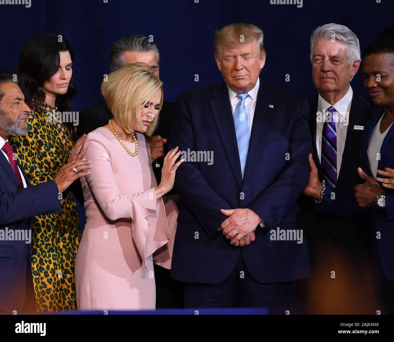 Miami Fl Usa 03rd Jan 2020 Pastor Paula White Cain And Us President Donald J Trump Remark At The Evangelicals For Trump Coalition Launch Miami At The King Jesus International Ministry On January