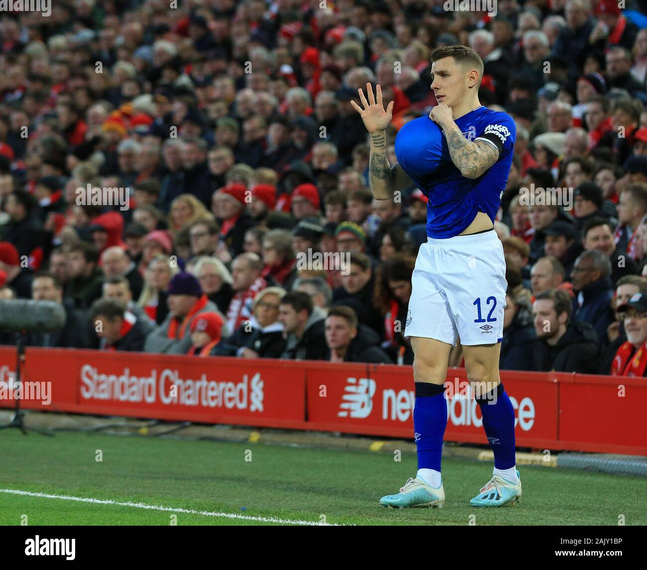 Anfield Liverpool Merseyside Uk 5th Jan 2020 English Fa Cup Football Liverpool Versus Everton Lucas Digne Of Everton Wipes The Ball On His Shirt Before Taking A Throw In Strictly Editorial