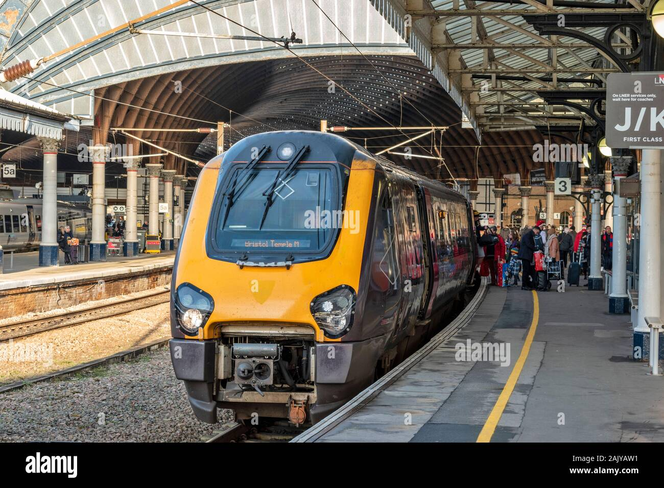 YORK ENGLAND RAILWAY STATION PASSENGERS EMBARKING LOCOMOTIVE OR TRAIN FOR BRISTOL TEMPLE MEADS Stock Photo