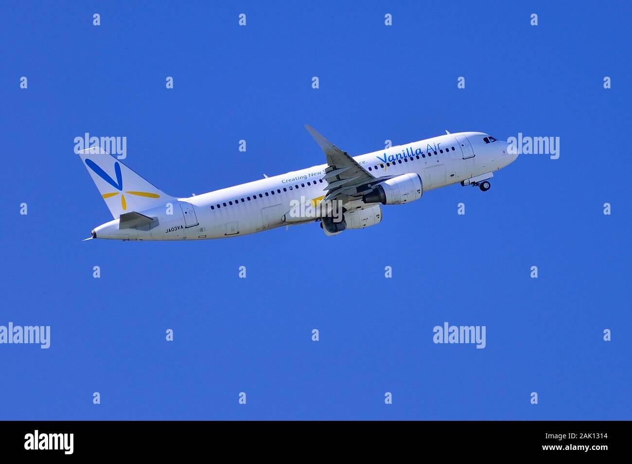Vanilla Air, Airbus, A320, JA03VA, Take Off, Narita Airport, Chiba, Japan Stock Photo