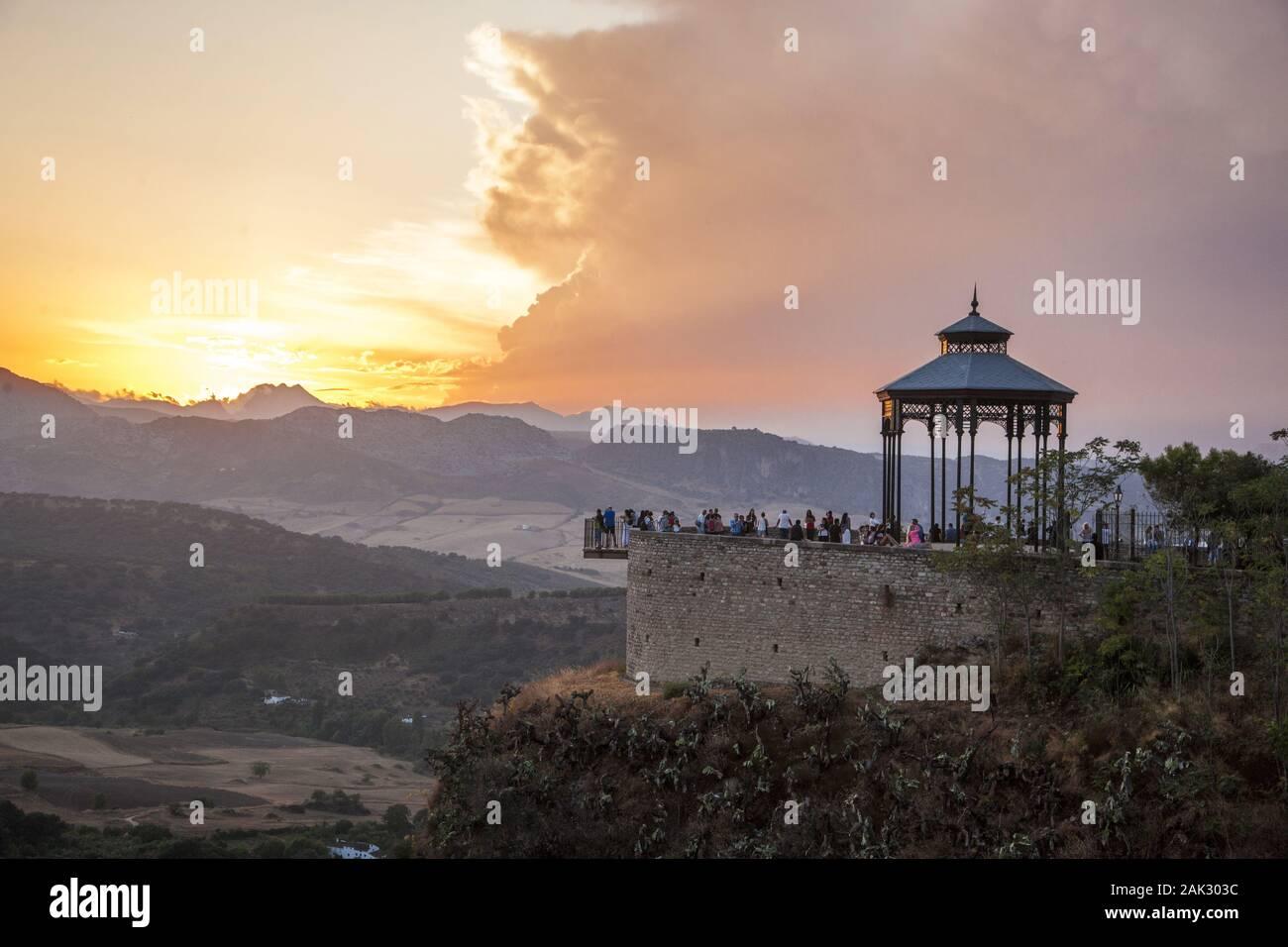 "Provinz Malaga/Ronda: ""Mirador de Ronda"", Aussichtspunkt am Rande eines Felsens, Andalusien | usage worldwide Stock Photo"