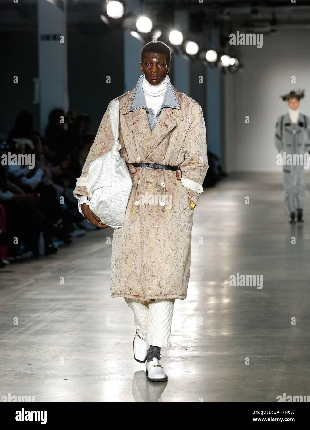 London Uk 5th Jan 2020 Korean Menswear Fashion Designer Hyun Min Han Presenting His Fashion Brand Munn During London Fashion Week Mens Aw2020 Stock Photo Alamy