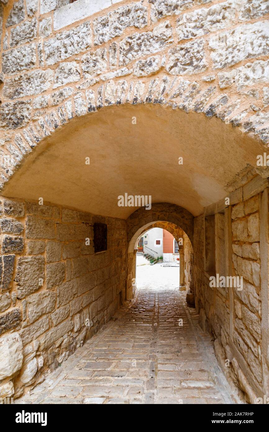 Soardo – Bembo Castle entrance arch in the historic old town in Bale, a small hill town on Mont Perin in Istria County, Croatia Stock Photo