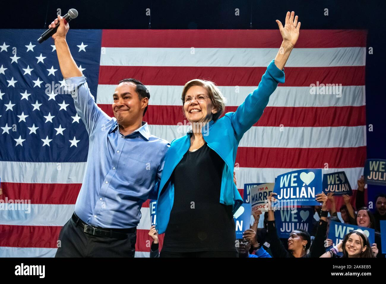 New York, USA,  7 January 2020.  US Senator and Presidential candidate Elizabeth Warren and Julian Castro, former secretary of Housing and Urban Development (HUD) wave to supporters during a campaign rally at Brooklyn's Kings Theatre in New York.  Credit: Enrique Shore/Alamy Live News Stock Photo