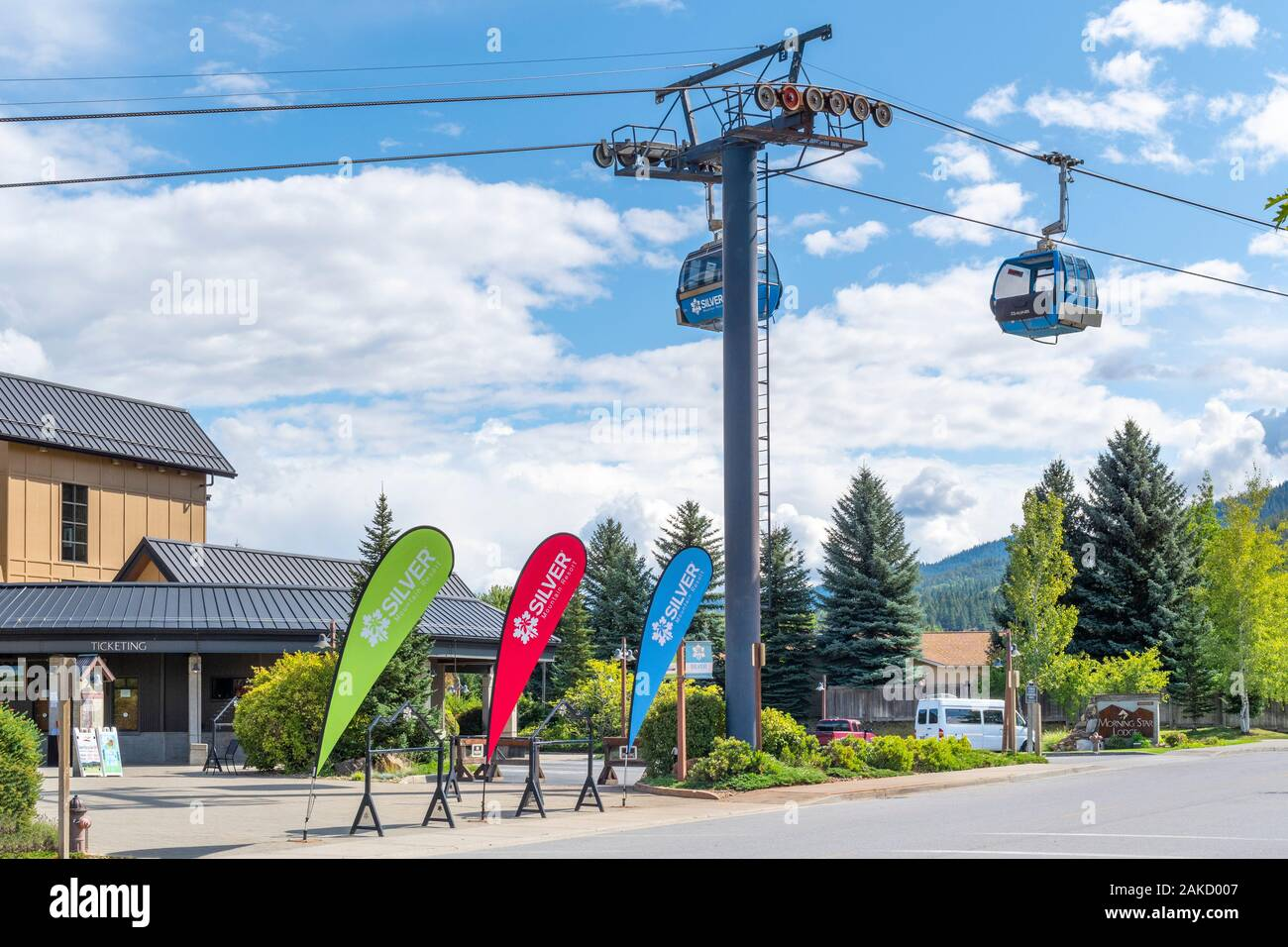 Gondolas pass by the Silver Mt Ski Resort, site of an avalanche that killed 2 skiers in January 2020 and the longest single span gondola in the world Stock Photo