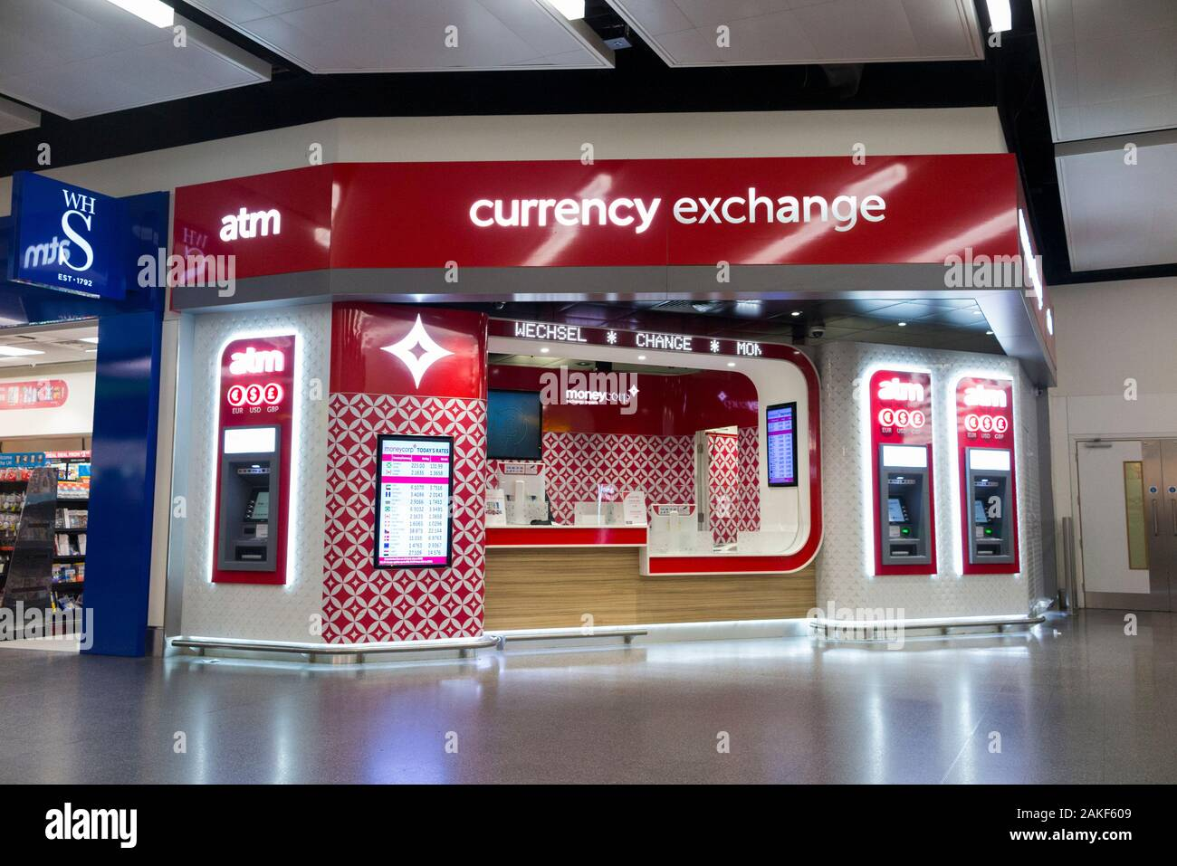 Changing Money Currency Exchange High Resolution Stock Photography And Images Alamy