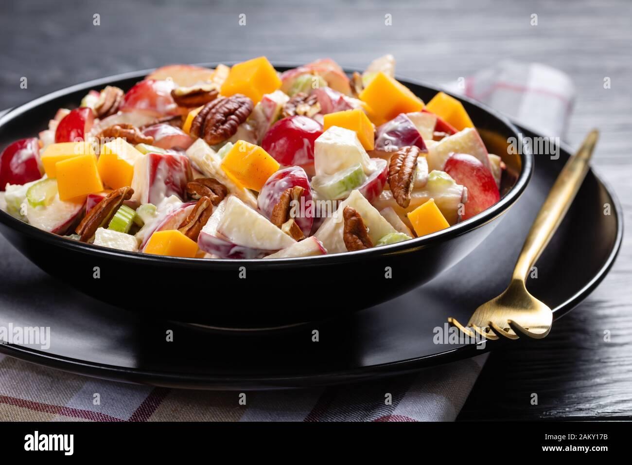 Waldorf Salad Recipe With Pecans