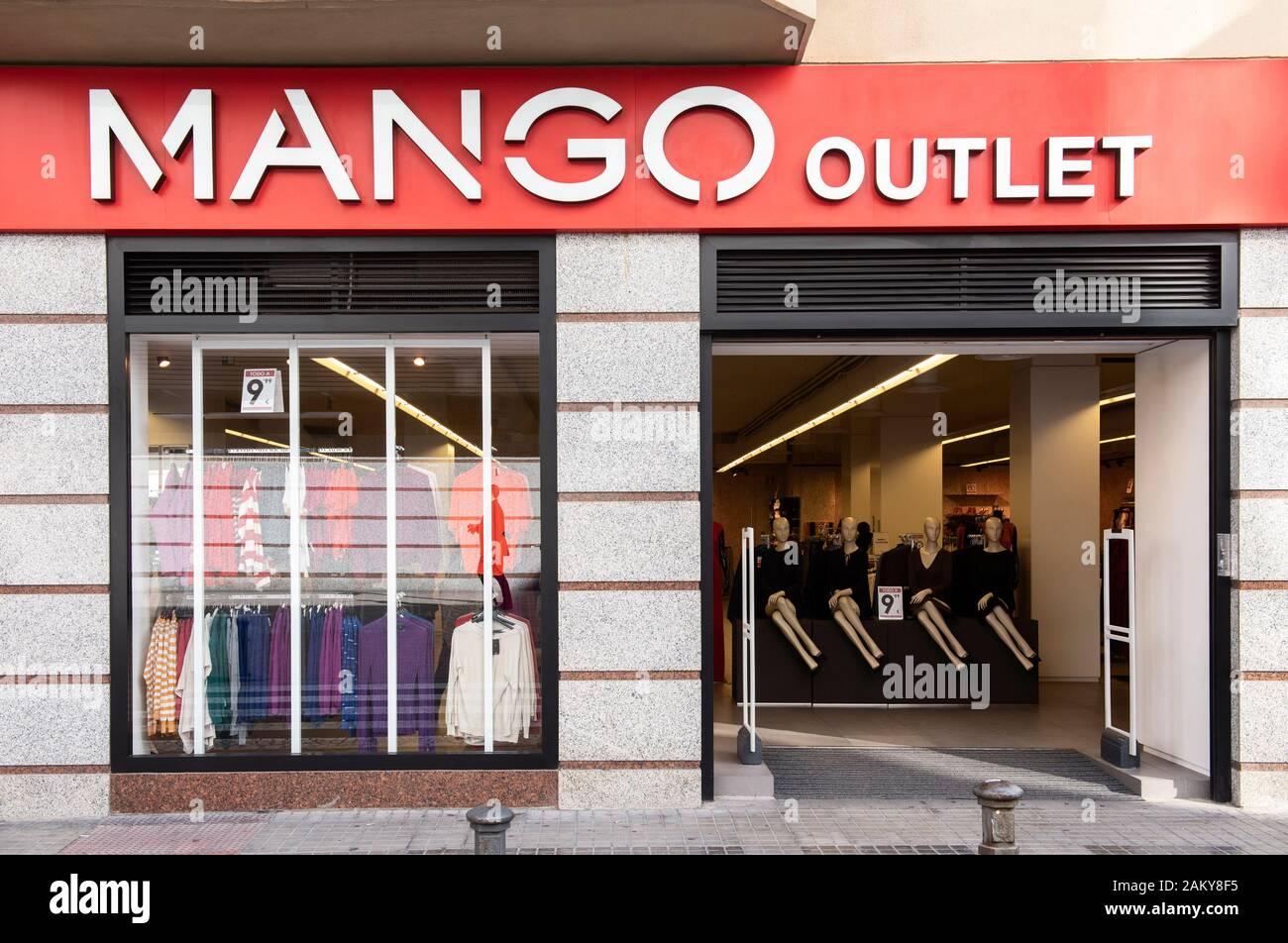 Mango Outlet Stock Photos Mango Outlet Stock Images Alamy