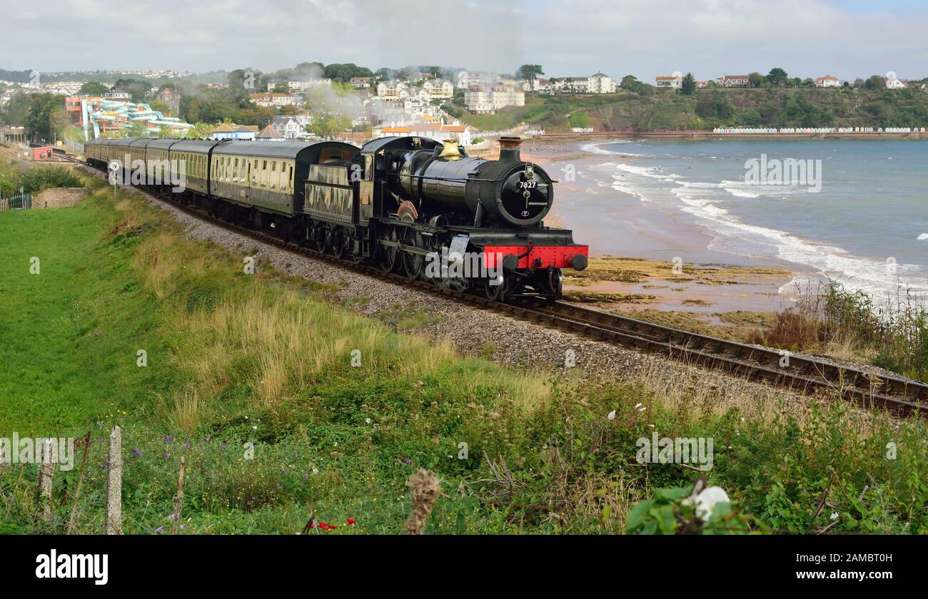 GWR Manor class No 7827 Lydham Manor passing Goodrington on the Dartmouth Steam Railway, heading for Kingswear. Stock Photo
