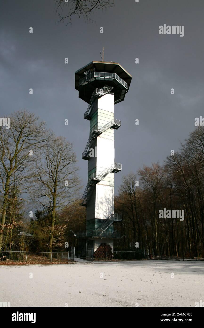 Aussichtsturm am Dreiländereck Deutschland-Belgien-Niederlande, Plombieres, Provinz Lüttich, Belgien Stock Photo
