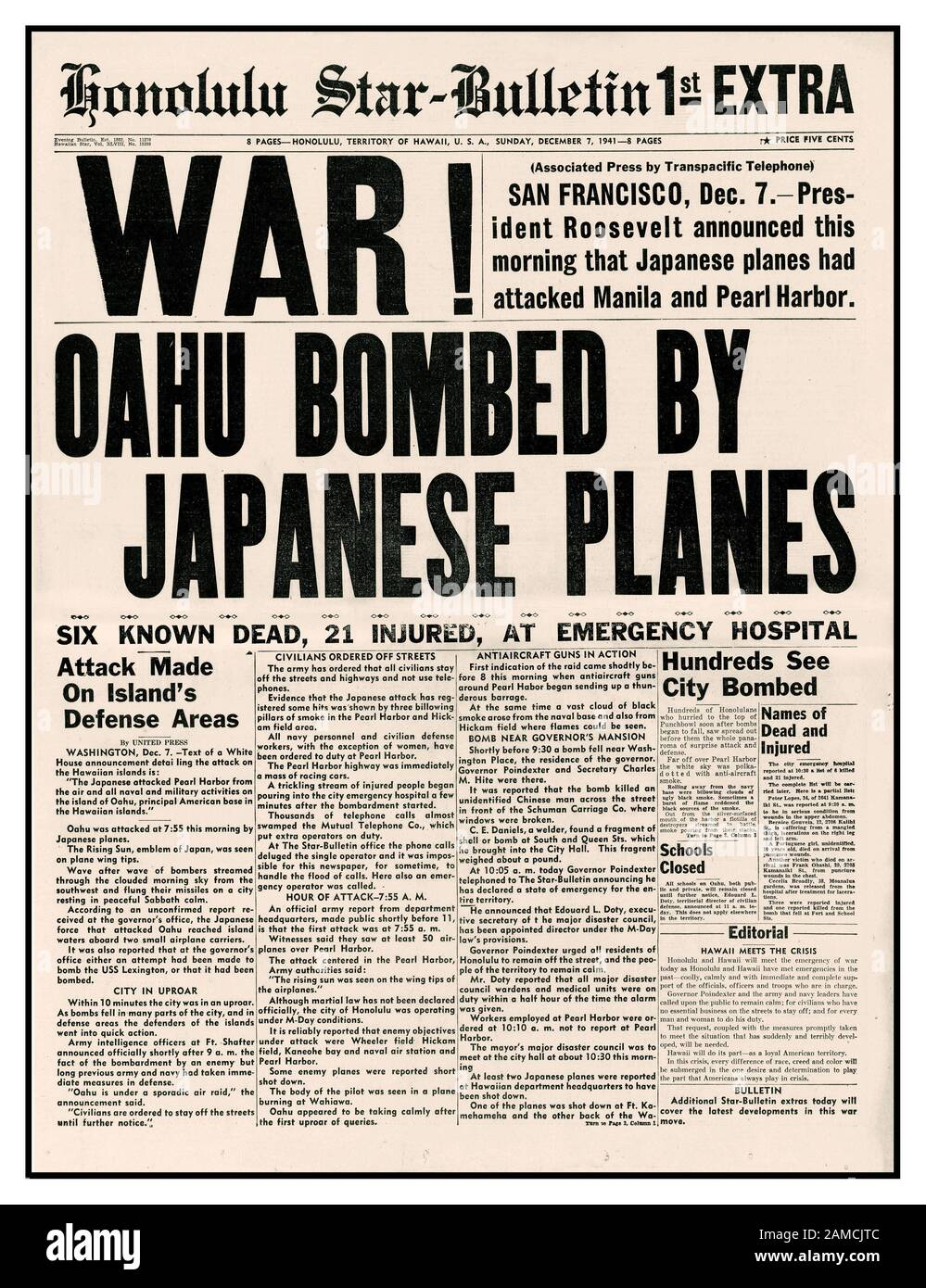 """WAR !  PEARL HARBOUR ATTACK OAHU Vintage Pearl Harbor headlines December 7th 1941 Surprise Japanese bombing of Pearl Harbor Newspaper headline by Honolulu Star Bullentin """"WAR ! Oahu bombed by Japanese Planes"""" Sunday December 7th 1941 Start of World War II between Japan and America USA Stock Photo"""