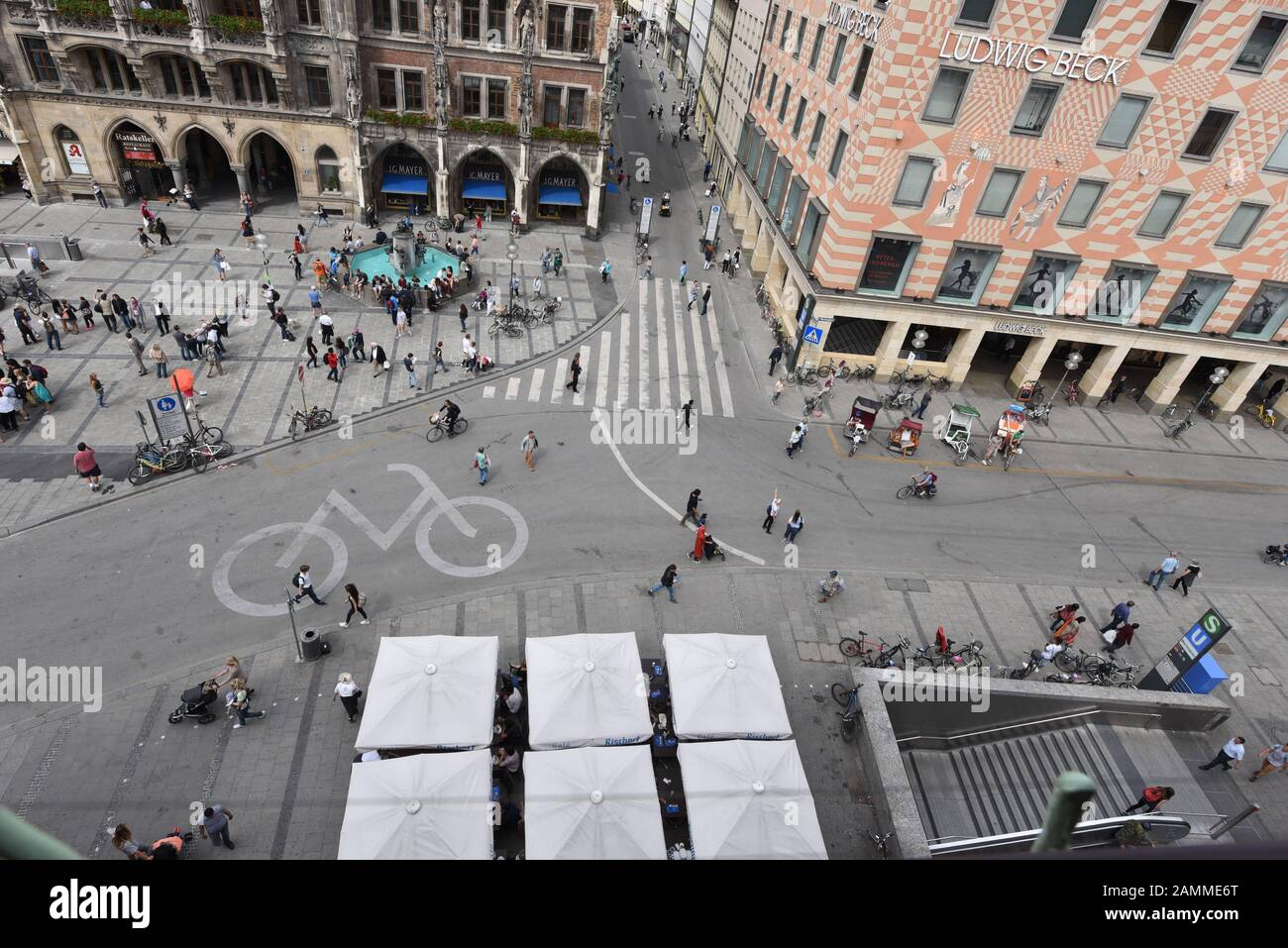 View from the tower of the Peterskirche to the Munich Marienplatz, left the New City Hall, right the department store Ludwig Beck. [automated translation] Stock Photo