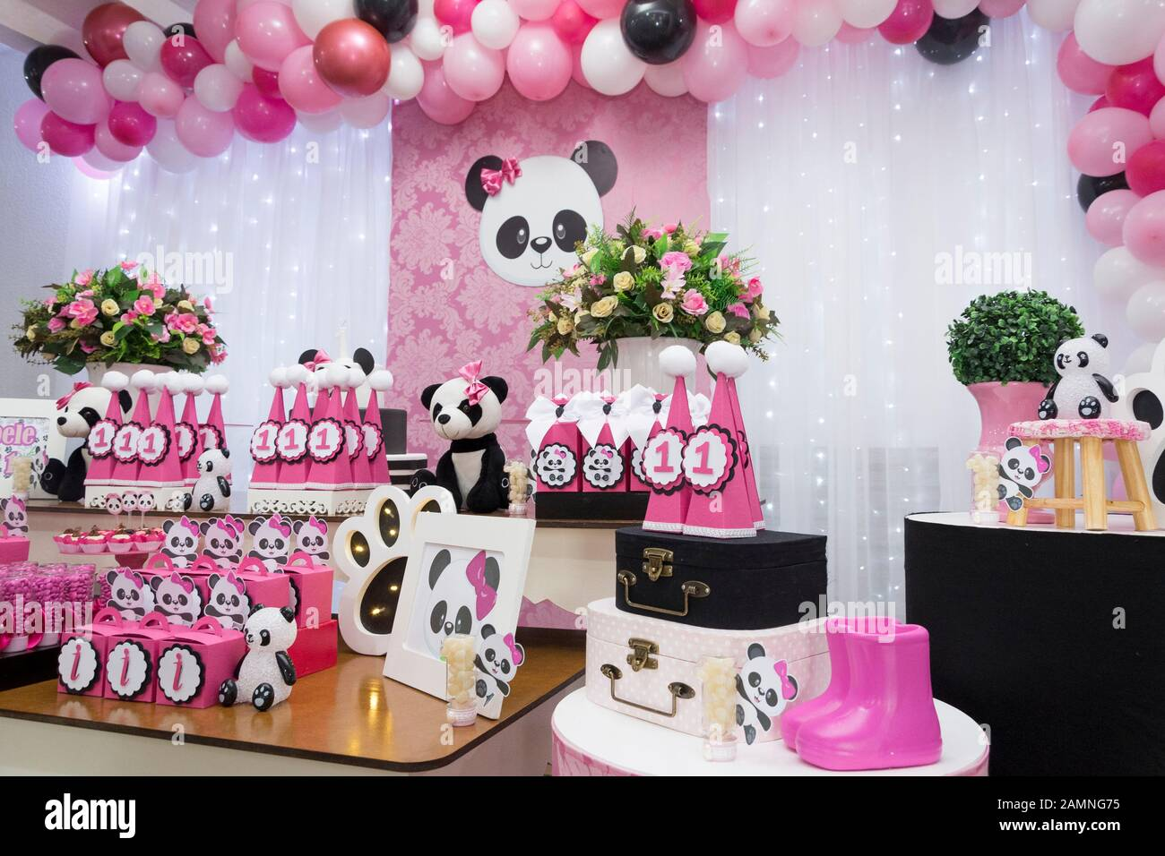 Admirable Table Of Sweets And Birthday Cake Girl Party Decorated With Panda Funny Birthday Cards Online Elaedamsfinfo