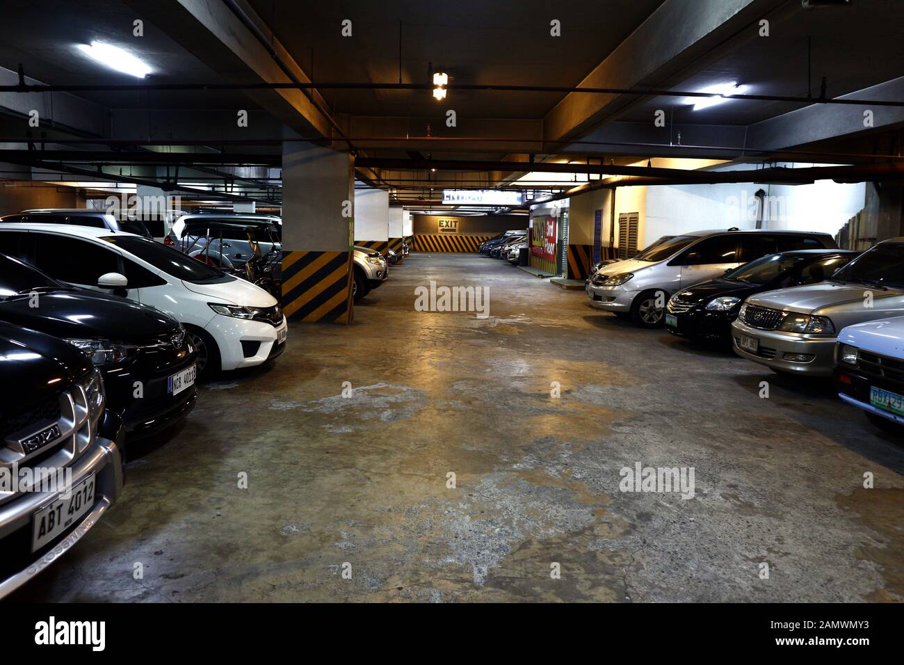 Basement Car Park High Resolution Stock Photography And Images Alamy