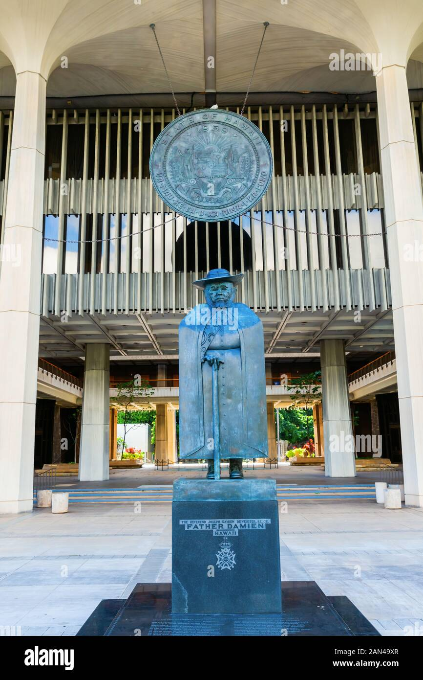 Honolulu Oahu Hawaii November 04 2019 Statue Of Father Damien At The State Capitol He Was A Roman Catholic Priest From Belgium He Won Recognit Stock Photo Alamy Monoi hei poa oil has been a part of french life for 40 years. alamy