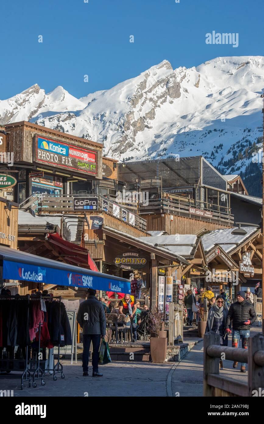 Souffleur De Verre Chambery auvergne rhône alpes stock photos & auvergne rhône alpes