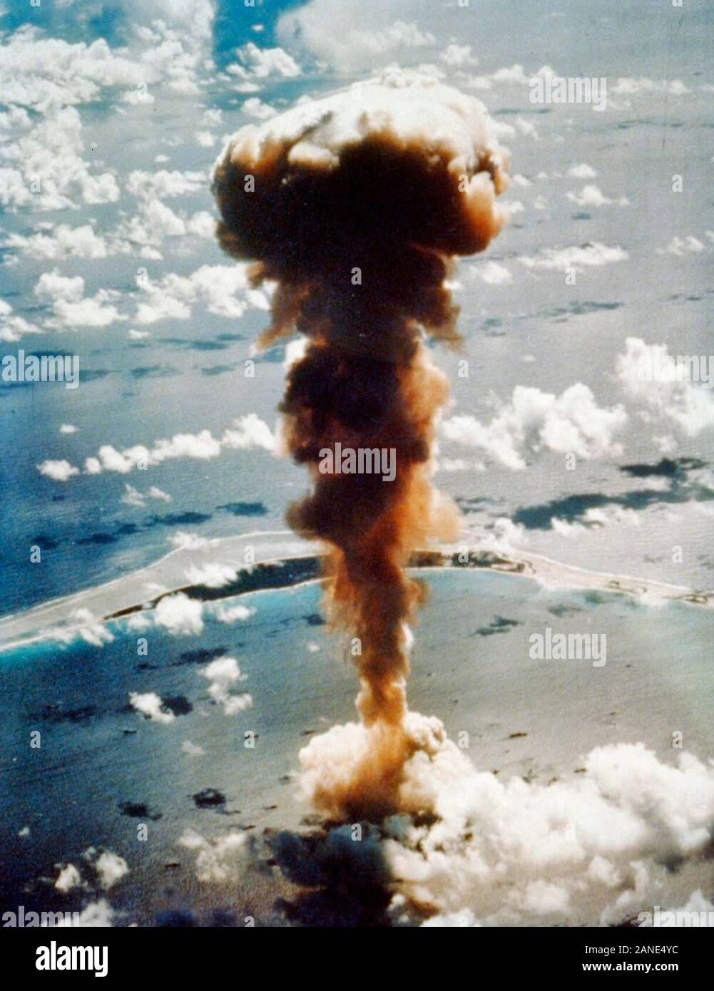 Operation Crossroads explosion. Aerial view of mushroom cloud from atomic bomb Able, Bikini Atoll in the Pacific. July 1, 1946 Stock Photo