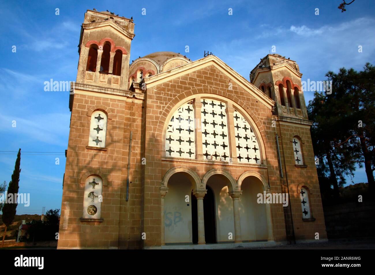 ehemalige, entweihte  griechisch orthodoxe Kirche, Pamuklu/ Tavors, Türkische Republik Nordzypern Stock Photo
