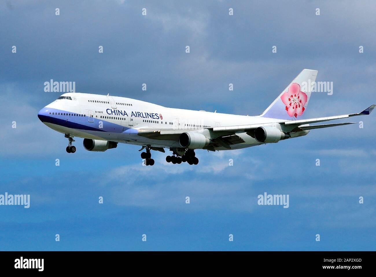 China Airlines Boeing B-747-400, B-18210, Approach Landing at Naha Airport, Okinawa, Ryukyu Islands, Japan Stock Photo