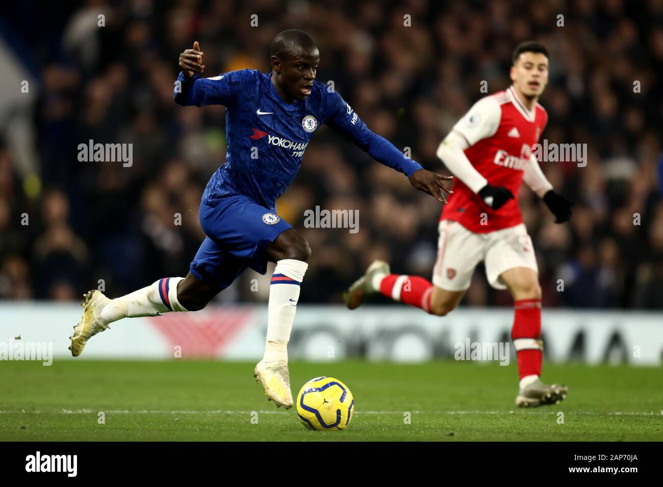 Stamford Bridge, London, UK. 21st Jan, 2020. English Premier League Football, Chelsea versus Arsenal; Ngolo Kante of Chelsea - Strictly Editorial Use Only. No use with unauthorized audio, video, data, fixture lists, club/league logos or 'live' services. Online in-match use limited to 120 images, no video emulation. No use in betting, games or single club/league/player publications Credit: Action Plus Sports/Alamy Live News Stock Photo