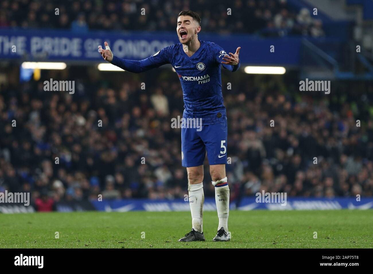 London, UK. 21st Jan, 2020. Jorginho of Chelsea during the Premier League match between Chelsea and Arsenal at Stamford Bridge, London on Tuesday 21st January 2020. (Credit: Jacques Feeney | MI News) Editorial use only. Credit: MI News & Sport /Alamy Live News Stock Photo