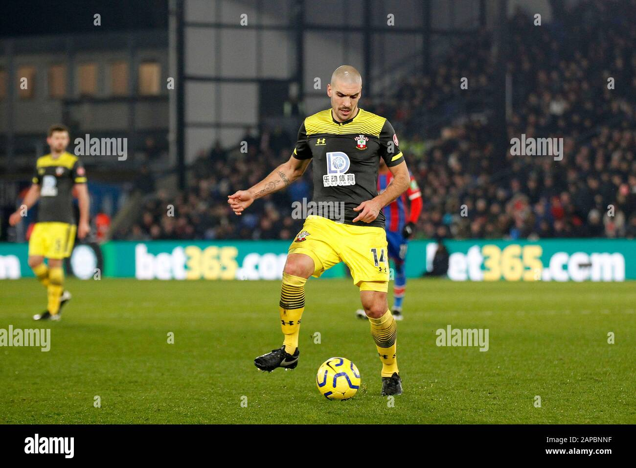 London, UK. 21st Jan, 2020. Oriol Romeu of Southampton during the Premier League match between Crystal Palace and Southampton at Selhurst Park, London, England on 21 January 2020. Photo by Carlton Myrie. Editorial use only, license required for commercial use. No use in betting, games or a single club/league/player publications. Credit: UK Sports Pics Ltd/Alamy Live News Stock Photo