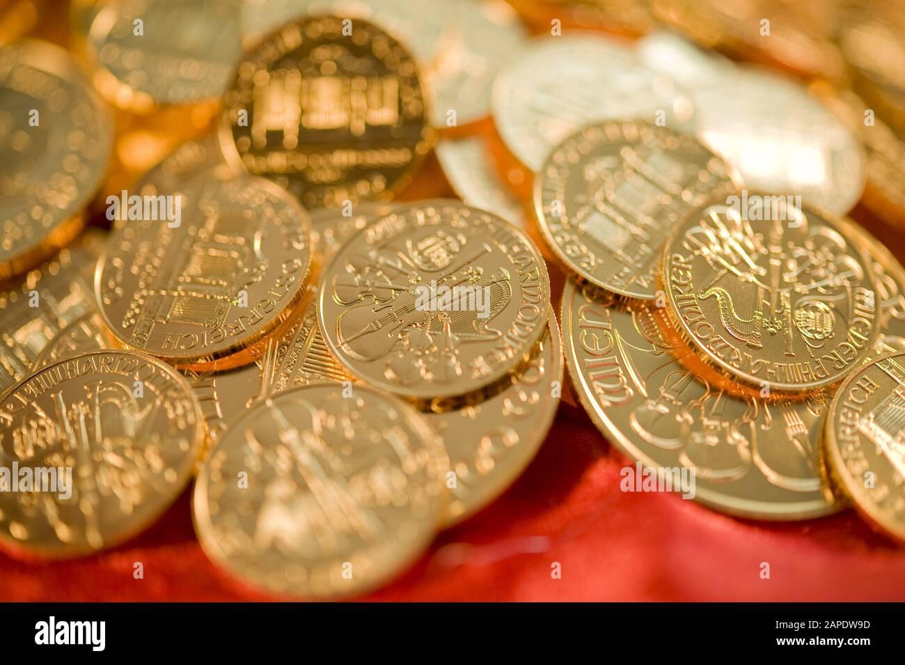 Goldmünzen (Wiener Philharmoniker) - Gold Coins (Wiener Philharmoniker) Stock Photo