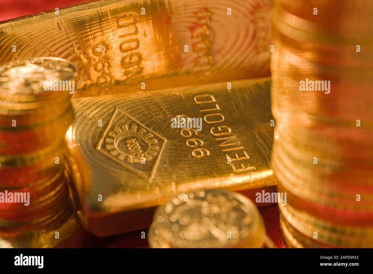 Ein Ögussa-Feingoldbarren - Gold Bar Stock Photo