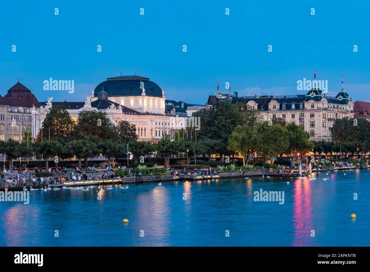 Schweiz, Kanton Zürich, Zürich, Zürichsee, Utoquai, Opernhaus, Oper Stock Photo