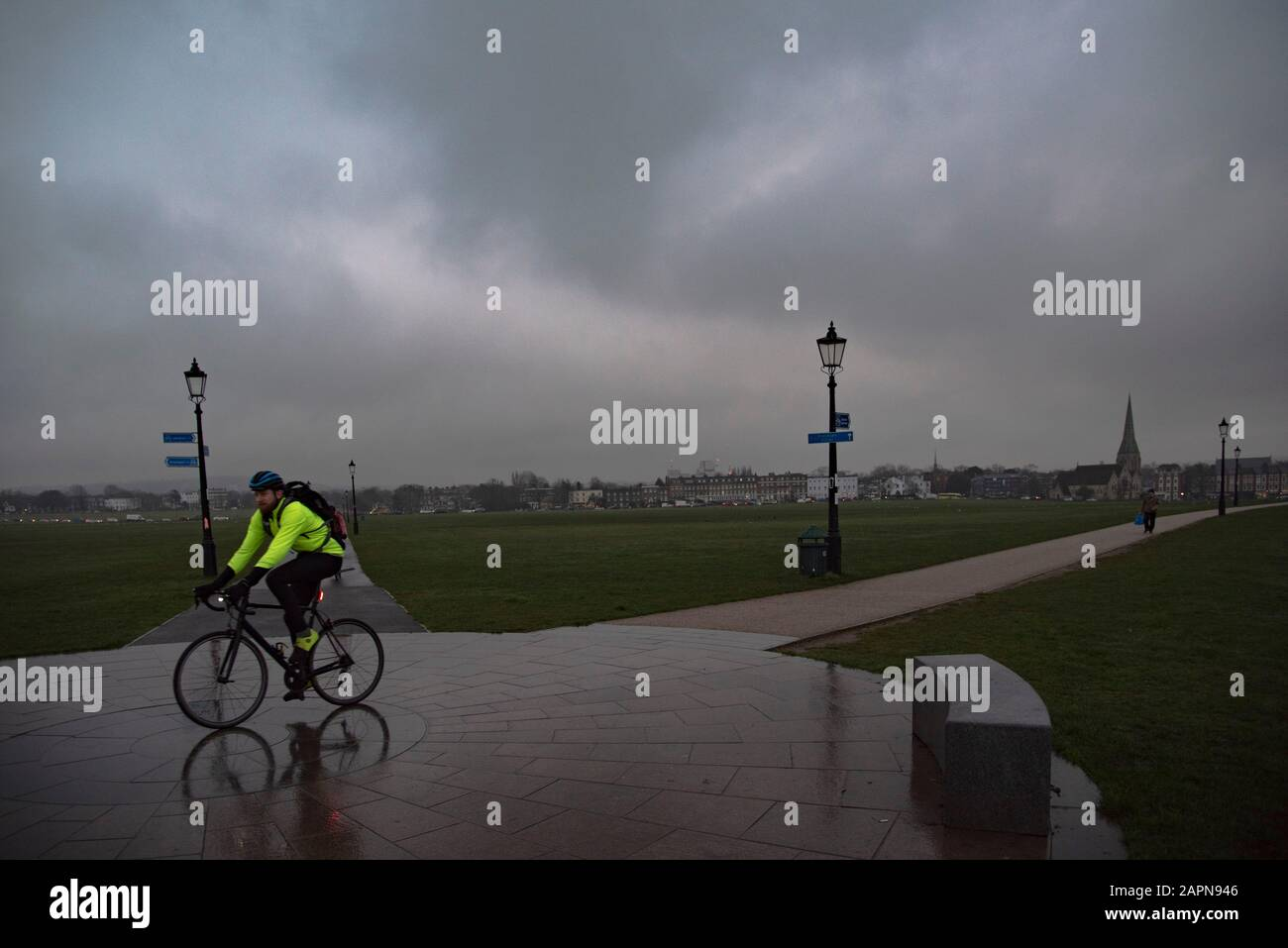 London, UK. 24th Jan, 2020. Low cloud and drizzle in Blackheath South- East London. Credit: claire doherty/Alamy Live News Stock Photo