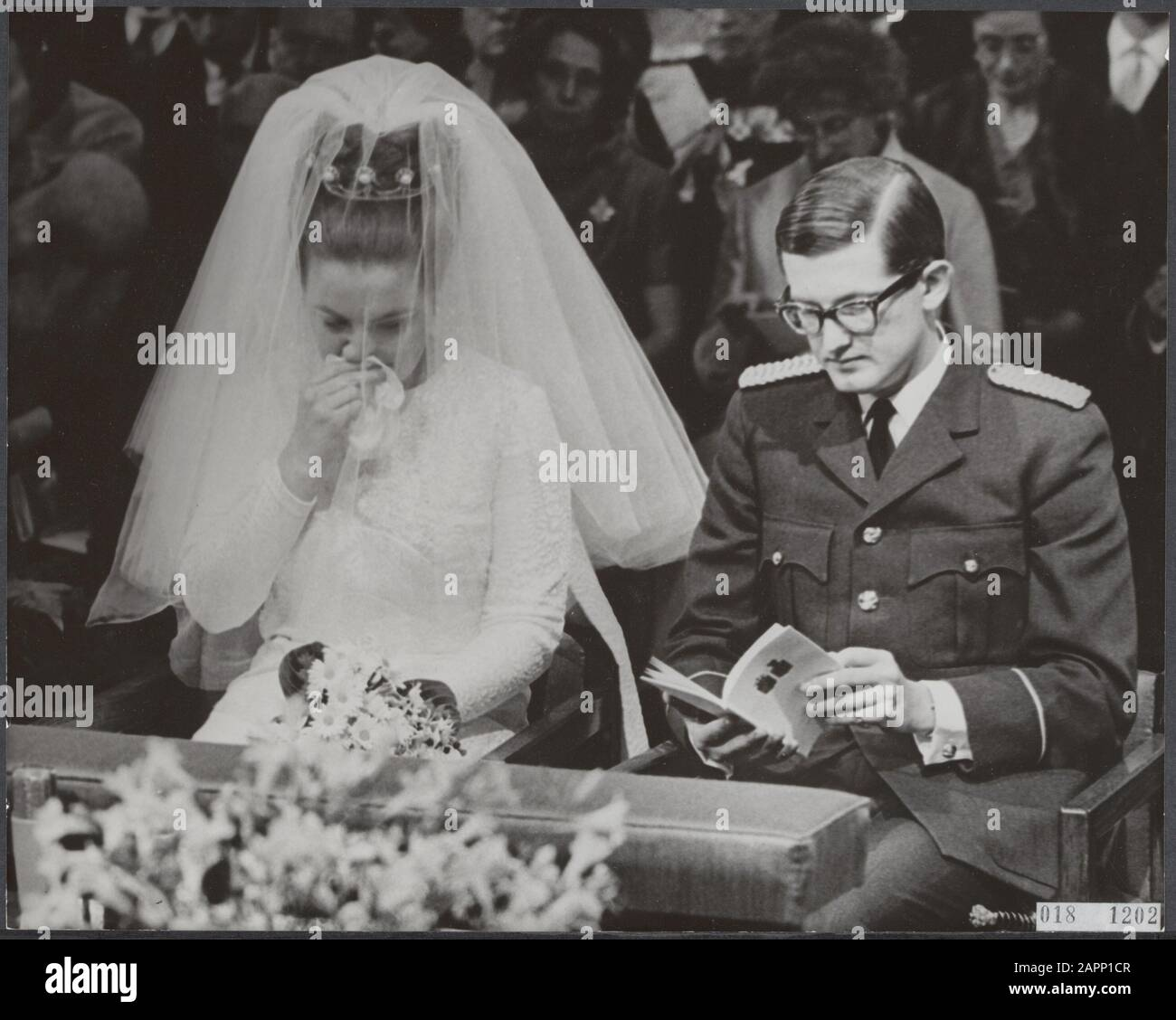 Marriage princess Margriet. Princess Margriet was too powerful during the ceremony in the Jacobskerk in The Hague Date: 10 January 1967 Location: The Hague, Zuid-Holland Keywords: marriages, churches, royal house, princesses, town halls Personal name: Margriet, princess, Vollenhoven, Pieter van Stock Photo