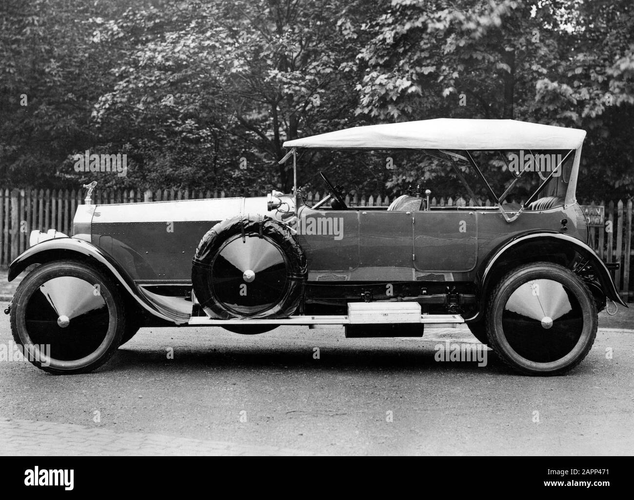 Rolls Royce Vintage Black and White Stock Photos & Images - Alamy