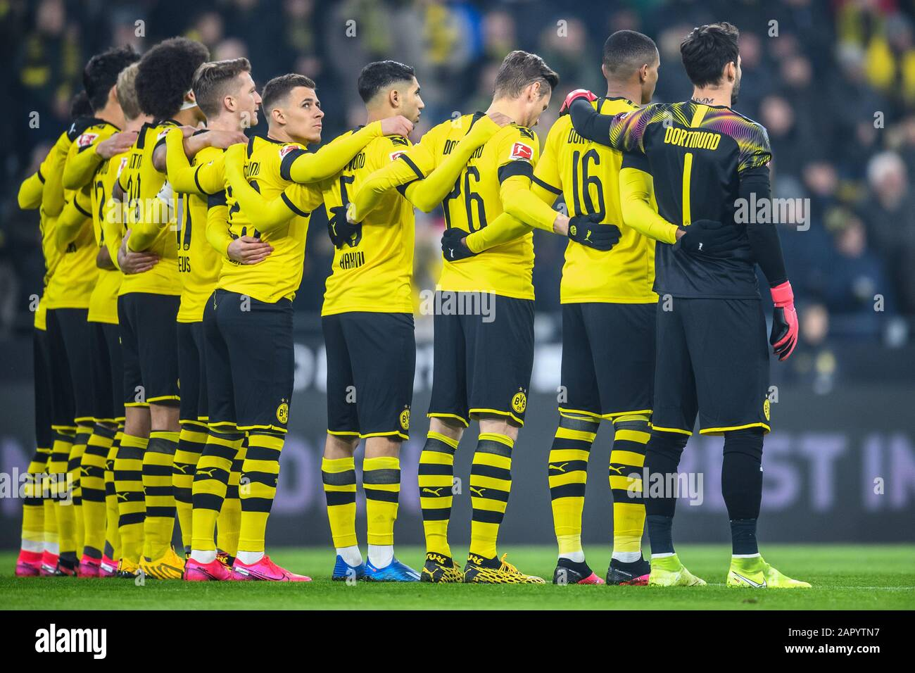 Bvb Players During The Minute S Silence Ges Fussball 1 Bundesliga Borussia Dortmund Fc Cologne 24 01 2020