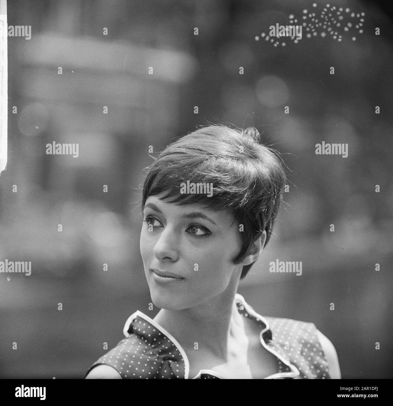 Hairstyle Tendens 1966 By Women S Hairdresser Mario Short Haircut The Short Women S Haircut Date 23 July 1965 Keywords Hairstyles Stock Photo Alamy