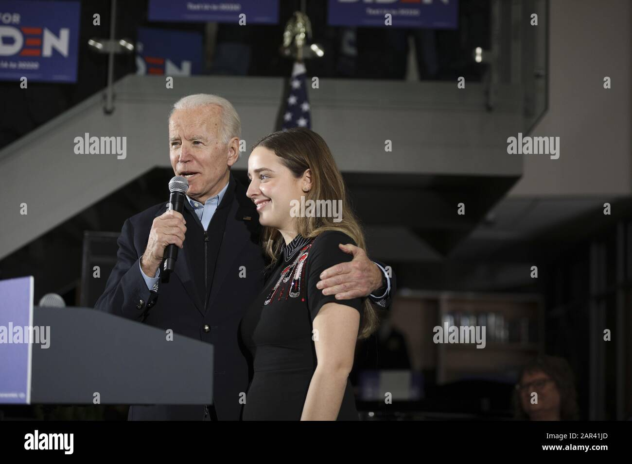 Ankeny Iowa Usa 25th Jan 2020 Former Vice President Joe Biden Introduces His Granddaughter Before Beginning