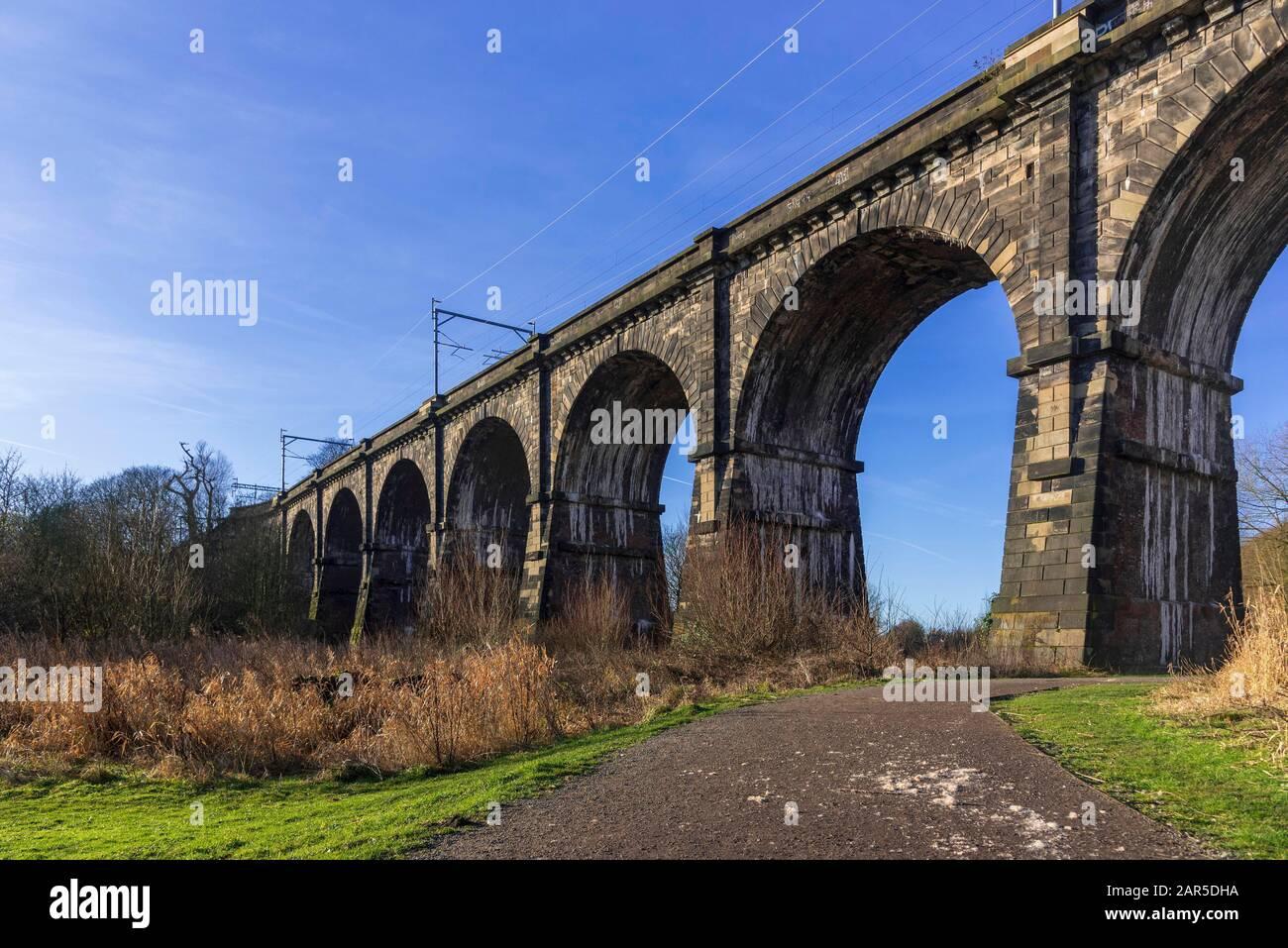 Sankey Valley railway viaduct at Earlestown. The earliest major railway viaduct in the world Stock Photo