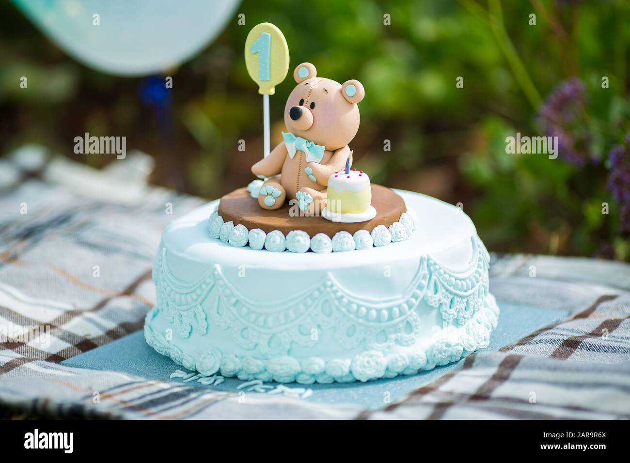 Phenomenal Close Up Amazing Cake For Boys First Birthday Blue And White Funny Birthday Cards Online Alyptdamsfinfo