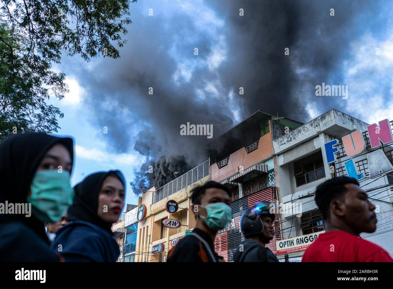 View Of A W Fast Foods Restaurant On Fire In Banda Aceh The Incident Allegedly Caused By Fire That Originated From A Warehouse Near A Fast Food Restaurant Stock Photo Alamy