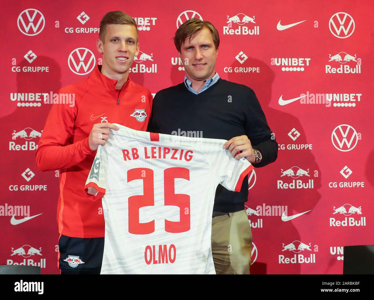 27 January 2020 Saxony Leipzig Football Bundesliga Press Conference Rb Leipzig At The Red Bull Academy Leipzig S Sports Director Markus Krosche R Introduces Newcomer Dani Olmo Photo Jan Woitas Dpa Zentralbild Dpa Important Note