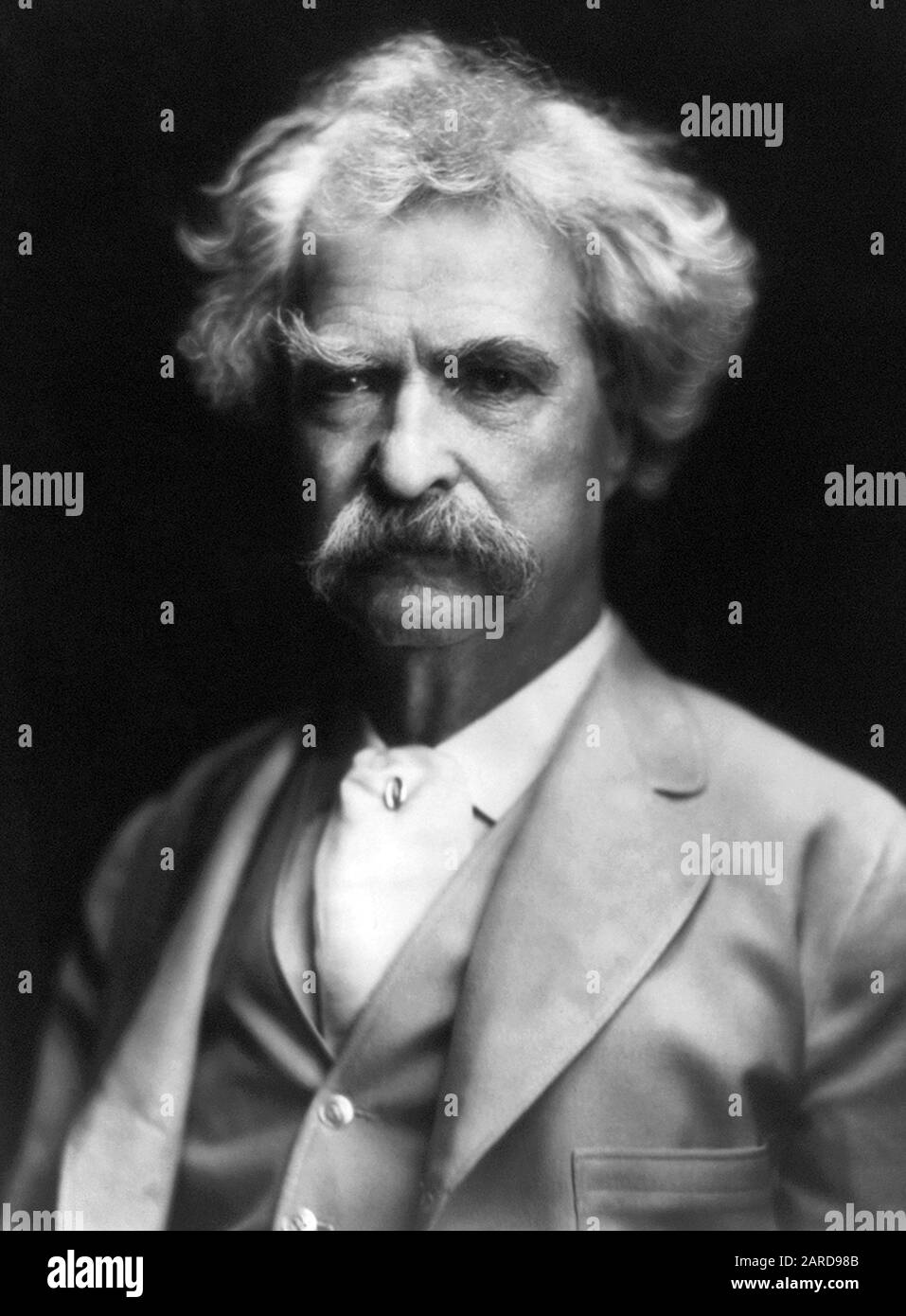 Vintage portrait photo of American writer and humourist Samuel Langhorne Clemens (1835 – 1910), better known by his pen name of Mark Twain. Photo circa 1907. Stock Photo