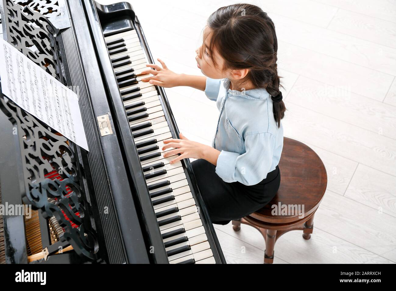 Lil Piano Player