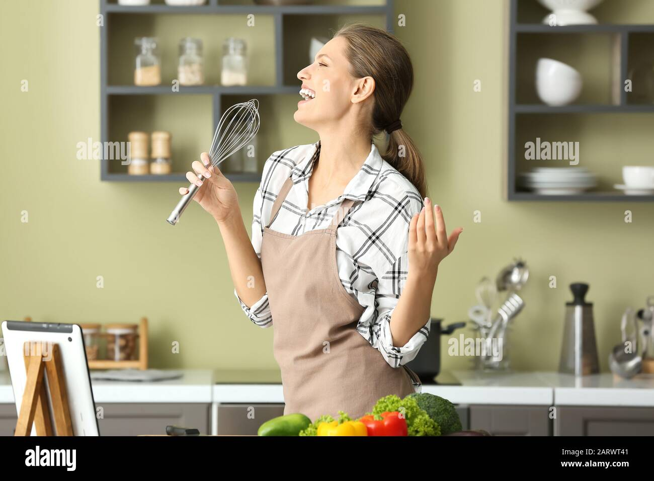 Cook Singing Cooking In Kitchen High Resolution Stock Photography And Images Alamy