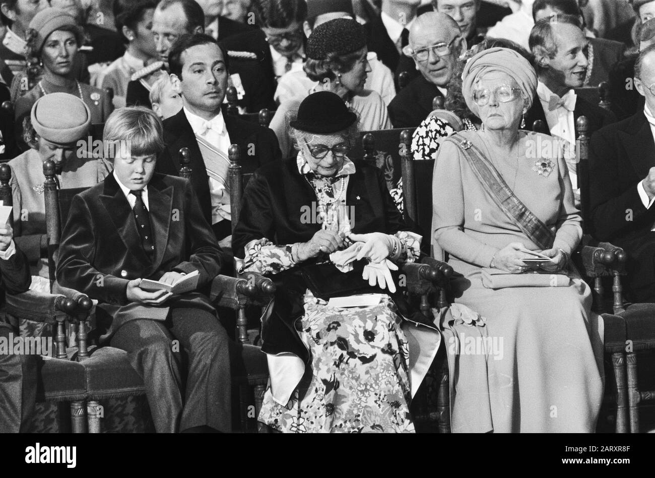 Throne change April 30, inauguration in New Church; in the foreground of Prince Willem Alexander, Mrs. van Amsberg and Prince Juliana/Date: April 30, 1980 Keywords: inaugurations Personal name: Juliana, princess, Willem-Alexander, Prince of Orange Institution name: New Church Stock Photo