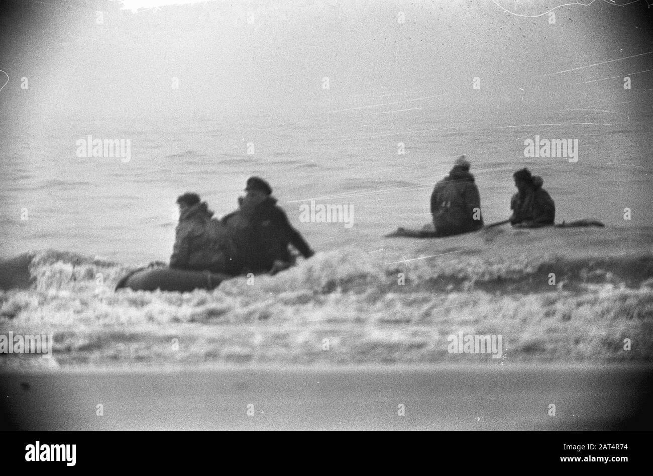 Joy flight 2 dead, the work at Katwijk Date: 23 January 1965 Location: Katwijk Keywords: storerooms, boats, seeen Stock Photo