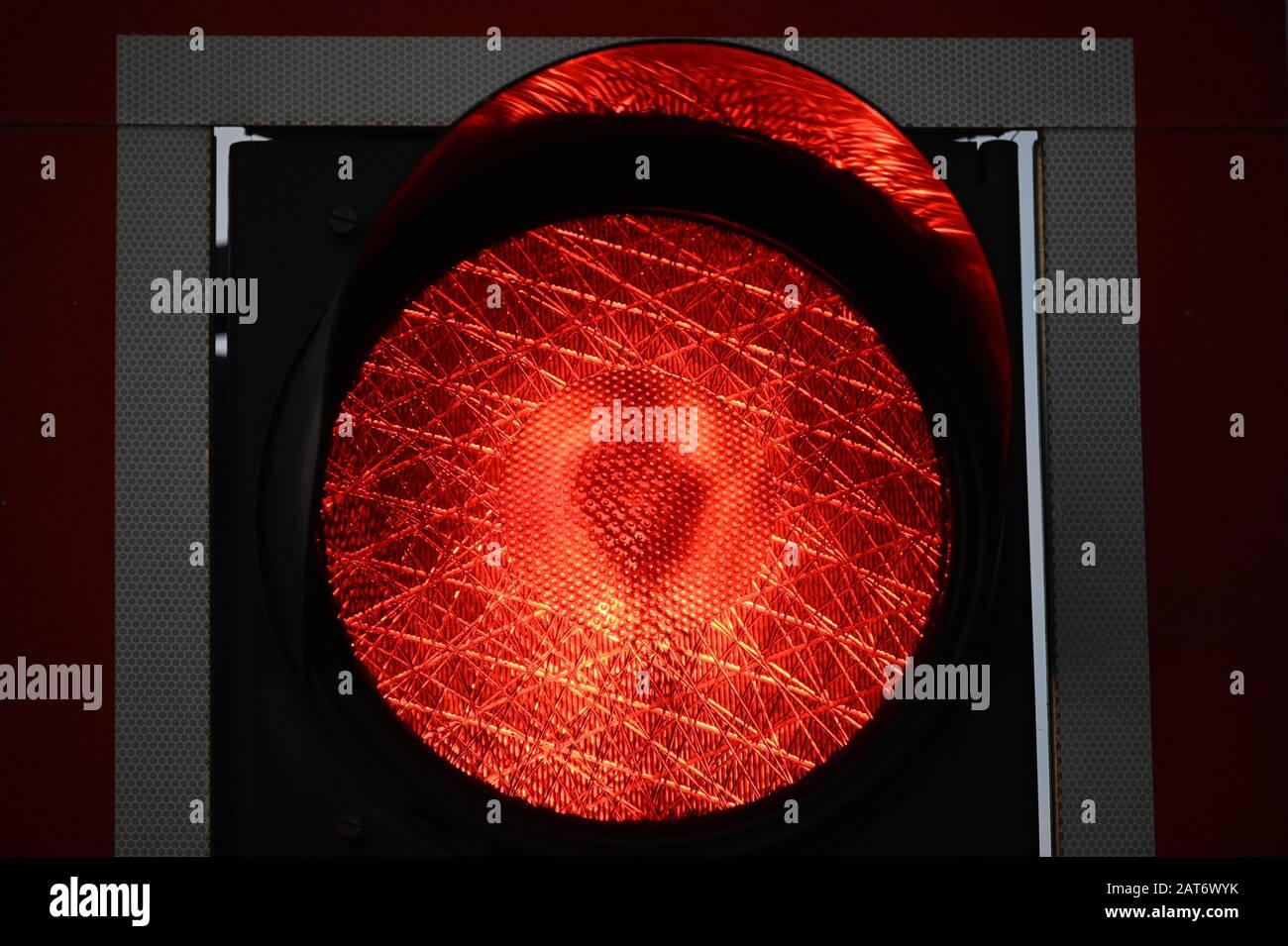 rotes Licht einer Ampel Stock Photo
