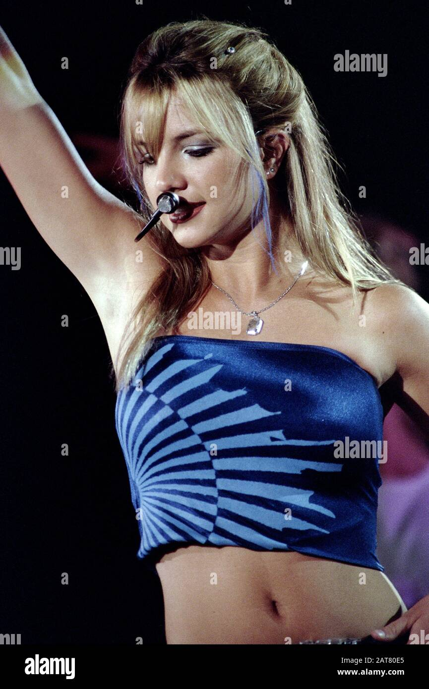 padova-italy-29051999-live-concert-of-br