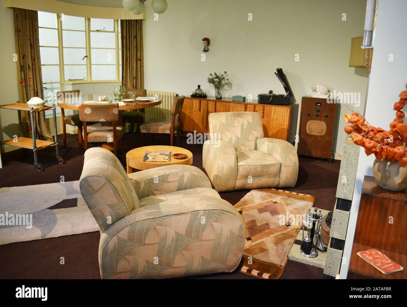 1930s Period Living Room At The Geffrye Museum London Uk In 2015 In 2020 It Rebranded As The Museum Of The Home Stock Photo Alamy