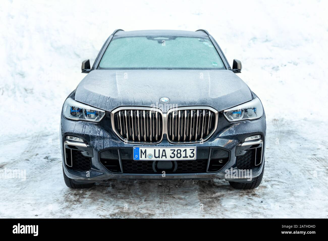 Ischgl Austria January 10th 2020 Newest Latest Bmw X5 G05 Luxury Suv Parked Outdoors On Cold Winter Day Wehicle Covered With Gorfrost And Icicles Stock Photo Alamy