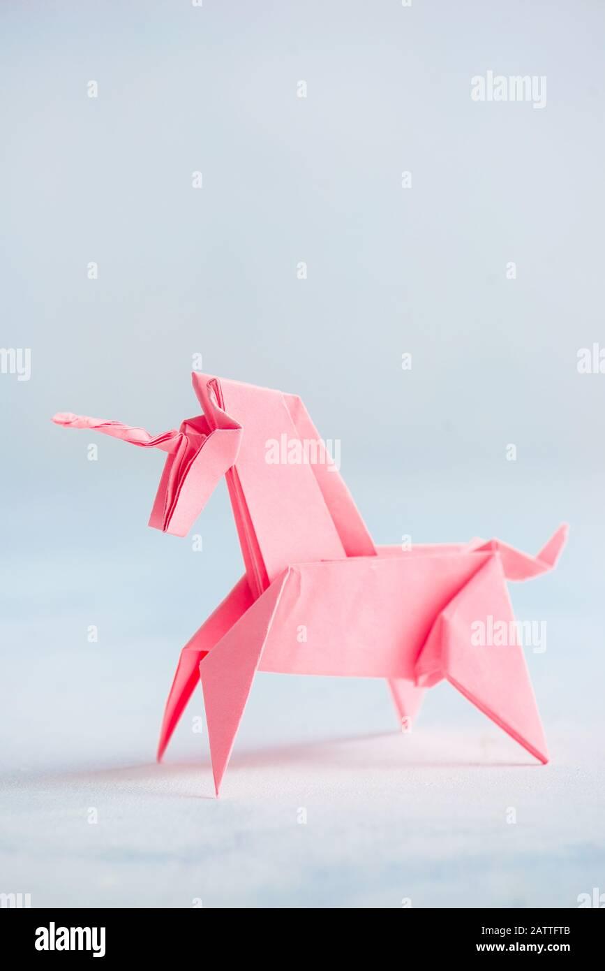 Origami Unicorn - Decovry.com | 1390x867
