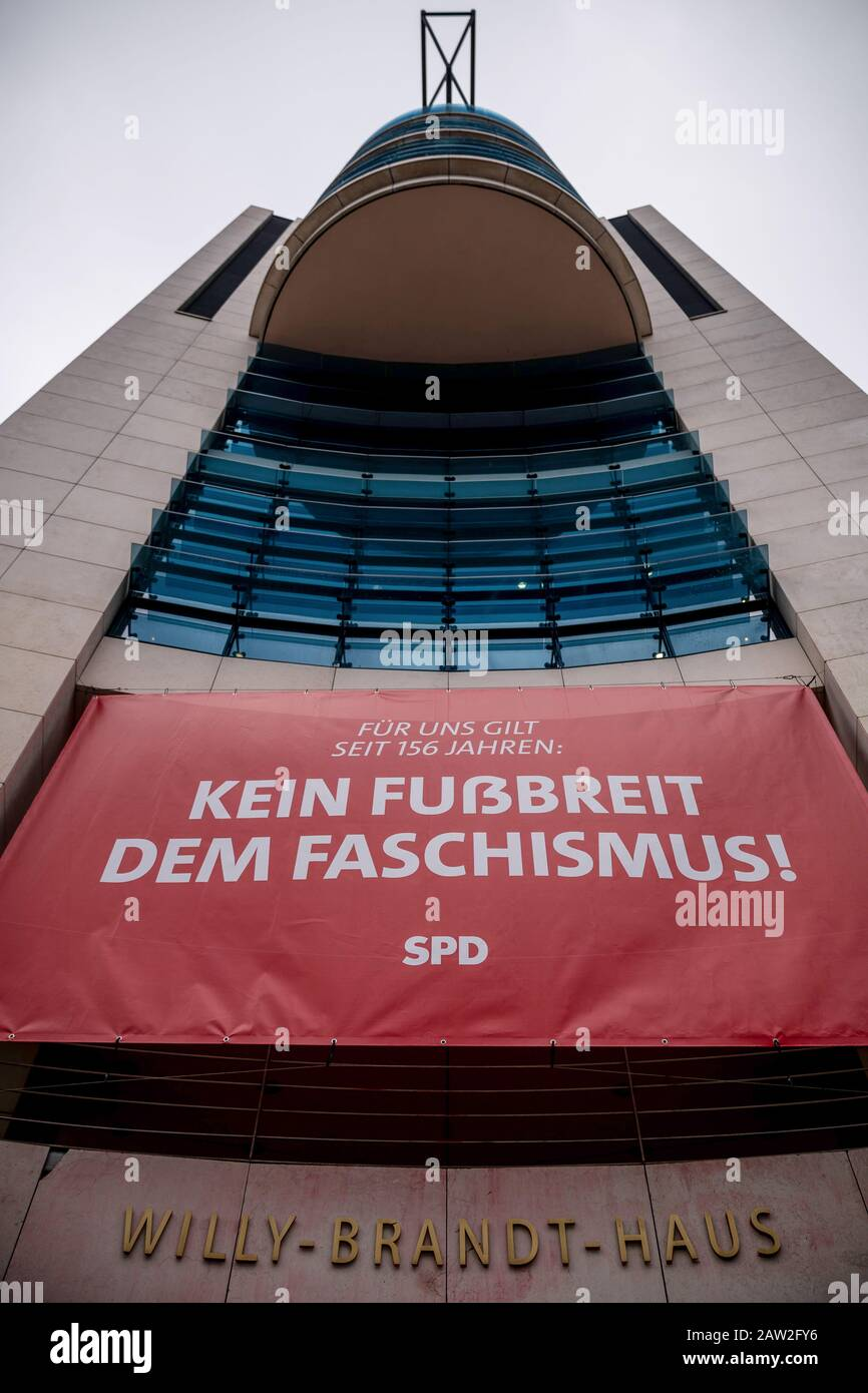 """Berlin, Germany. 06th Feb, 2020. A banner with the inscription """"Kein Fußbreit dem Faschismus!"""" hangs on the facade of the SPD headquarters, the Willy Brandt House. With the banner, the SPD refers to the controversial election of the Minister President in Thuringia. Credit: Michael Kappeler/dpa/Alamy Live News Stock Photo"""